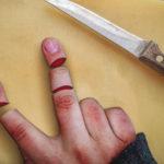 Photo manipulation cắt ngón tay với Photoshop